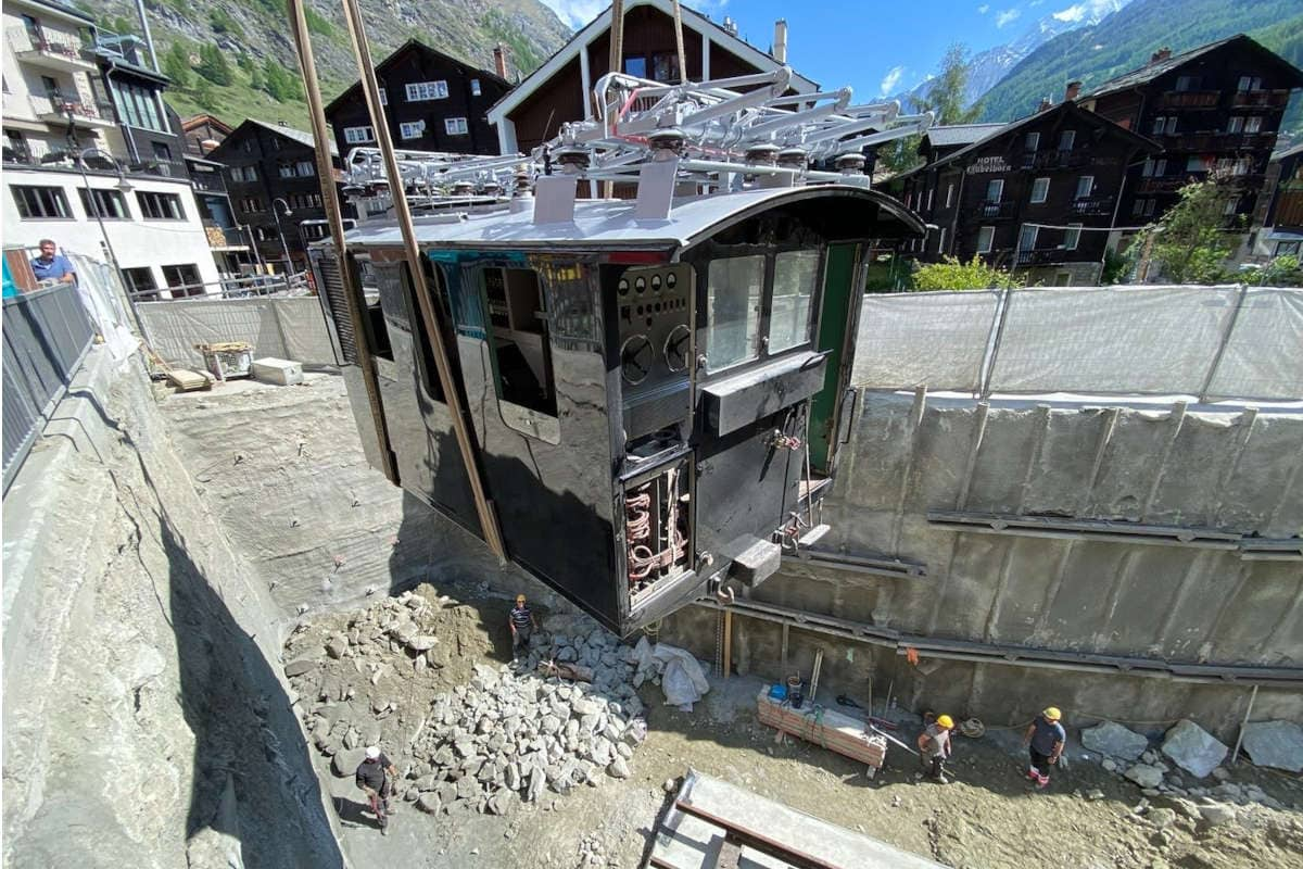 golden-lokdown-restaurant-zermatt